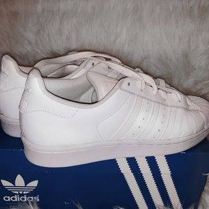 Adidas originals superstar all white, size 5